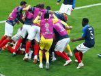 timnas-prancis-merayakan-gol-yang-dicetak-oleh-kylian-mbappe_20180630_232154.jpg