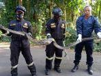 ular-sanca-ditemukan-di-kandang-ayam.jpg