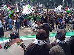 umat-islam-se-kabupaten-garut-menggelar-aksi-bela-palestina.jpg