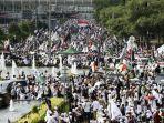 umat-muslim-mengikuti-aksi-reuni-212-di-jakarta.jpg