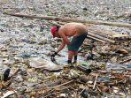 waduk-jatigede-di-kawasan-wado-sumedang-sudah-tak-indah-lagi-kini-jadi-lautan-sampah.jpg