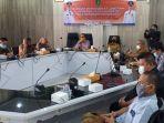 wali-kota-sukabumi-achmad-fahmi-memberikan-arahan-dalam-acara-fpd.jpg
