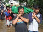 warga-meninggal-saat-banjir-di-dk.jpg
