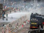 water-bombing-polisi.jpg