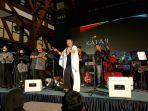 yura-yunita-sukses-menghibur-penonton-di-jazz-aula-barat-5_20171124_112452.jpg