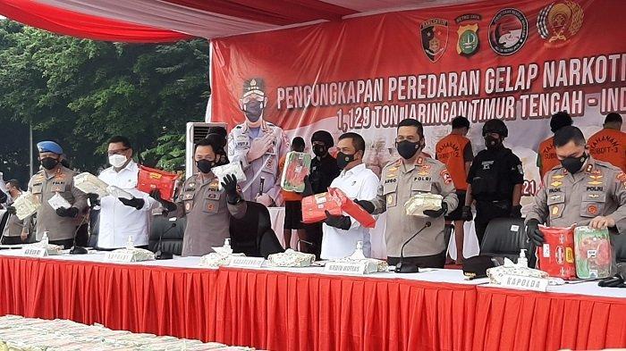 Polisi Bongkar Peredaran 1.129 Ton Sabu Jaringan Timur Tengah, Kapolri: 5,6  Juta Jiwa Terselamatkan - Halaman 1 - Tribun Jakarta