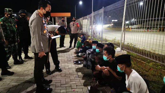 14 Anak Muda Diamankan di Tol Balaraja Ingin ke Istana Negara Aksi Pembebasan Habib Rizieq Shihab