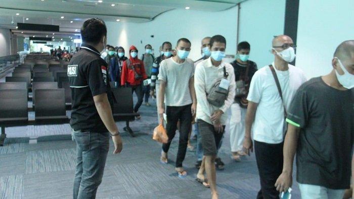 Sempat Tertahan di Malaysia, 150 WNI Mendarat di Bandara Soekarno-Hatta