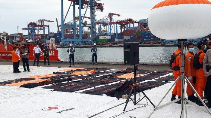 Hari Keenam, Petugas Evakuasi 36 Kantung Body Part dan 1 Kantung Serpihan Pesawat Sriwijaya Air
