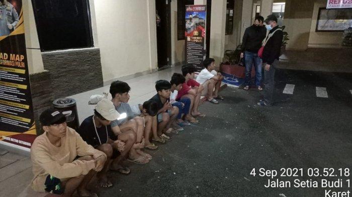 Kelakuan ABG Zaman Now Foto-foto Bawa Senjata di Epicentrum, Kini Orangtua Malah Repot
