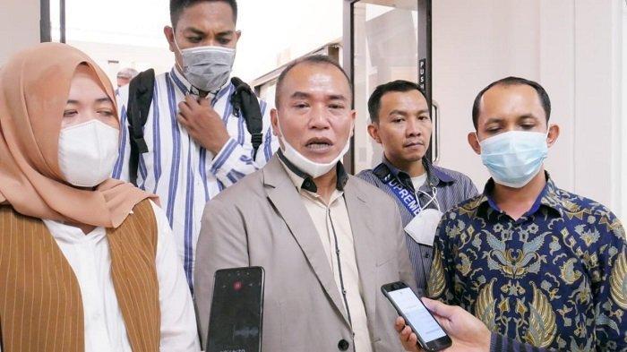 Diduga Dikeroyok Debt Collector di Tebet, Sopir Taksi Online Gugat Perusahaan Leasing