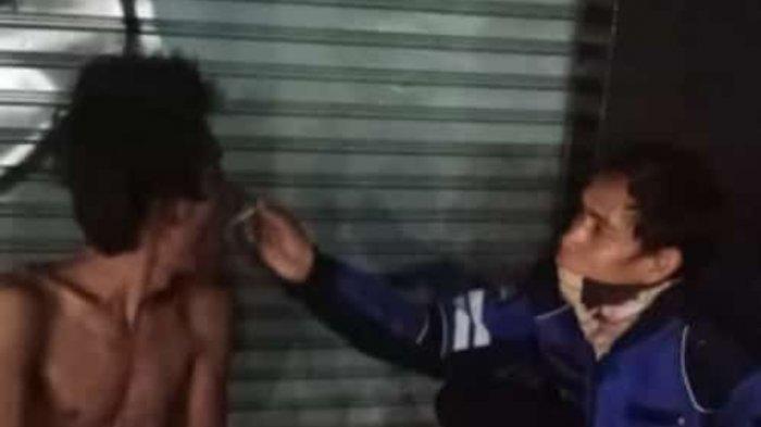 Aksi Petugas P3S Suapi Makan ODGJ yang Terkapar di Ciganjur