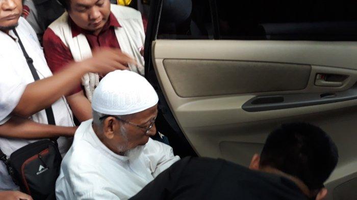Anak Abu Bakar Baasyir Anggap Wajar Jokowi Bebaskan Ayahnya, Tamu yang Datang Ditentukan Keluarga