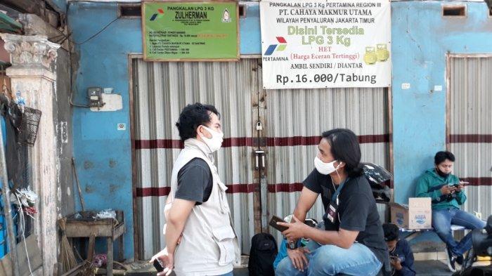 Agen gas di samping rumah Briptu Andry Budi Wibowo di Jalan Raya Pondok Ranggon, Cipayung, Jakarta Timur, Kamis (17/9/2020)