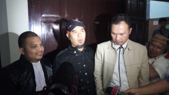 Ahmad Dhani Akan Marah Jika Kontrak Al Bernilai Lebih dari Rp 1 Miliar Gagal Karena Isu Overdosis