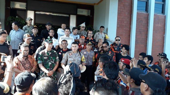 Kecam Aksi 22 Mei Berujung Anarkis, Sejumlah Ormas Gelar Unjuk Rasa depan DPRD Kota Bekasi