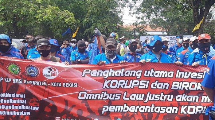 Omnibus Law Cipta Kerja Disahkan, Pegawai Bisa Jadi Karyawan Kontrak Seumur Hidup