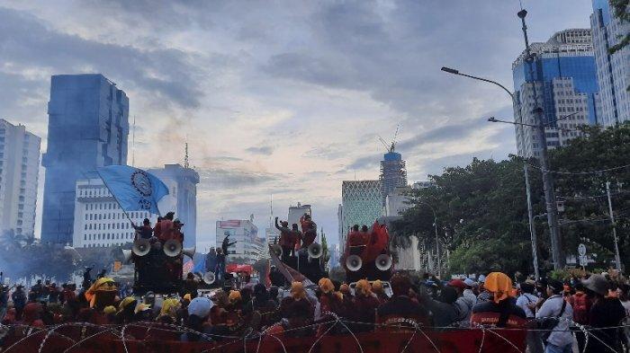 Hari Ini, Puluhan Ribu Peserta Aksi Buruh akan Demo di Sekitar Istana Negara