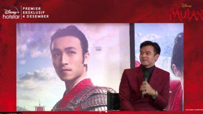 Dion Wiyoko jadi pengisi suara karakter Honghui dalam film Mulan versi bahasa Indonesia.