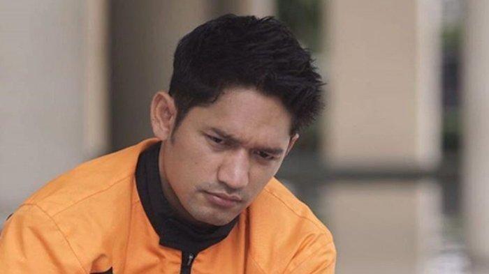 Spion Mobil Aktor Ibnu Jamil Dirusak dan Digondol Maling, Aksi Pelaku Terekam CCTV
