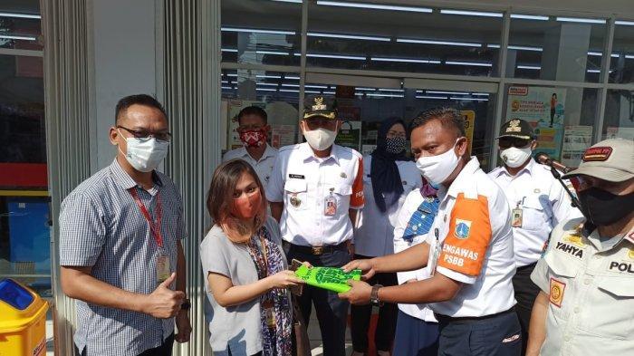 Pemprov DKI Larang Kantong Plastik Sekali Pakai, Alfamart Siapkan Tas Belanja Ramah Lingkungan