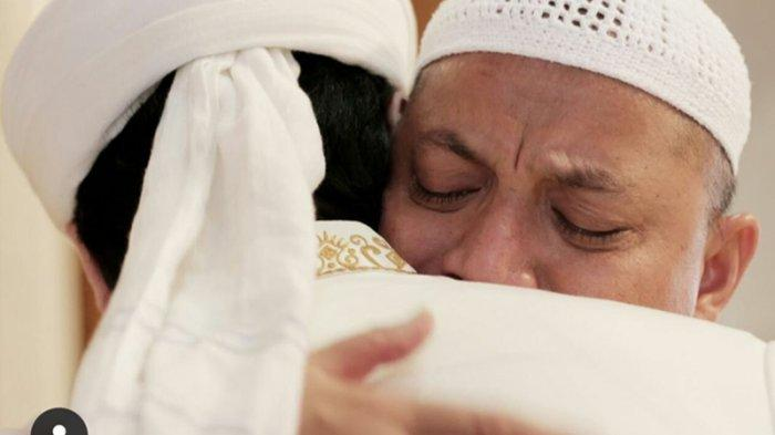 Wajah Jenazah Tersenyum hingga Pengakuan Jamaah Masjid Ustaz Arifin Ilham Mualafkan Ratusan Orang