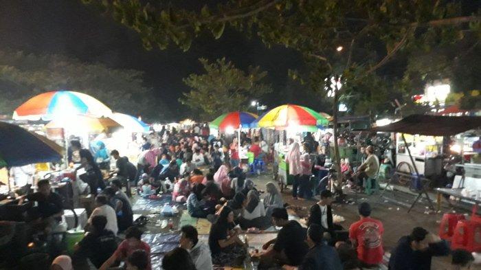 Ramainya Alun-Alun Bekasi Saat Malam Minggu di Bulan Ramadan