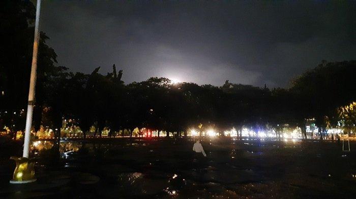 Suasana Malam Tahun Baru di Bekasi, Akses Summarecon Ditutup Hingga Alun-alun Gelap Gulita