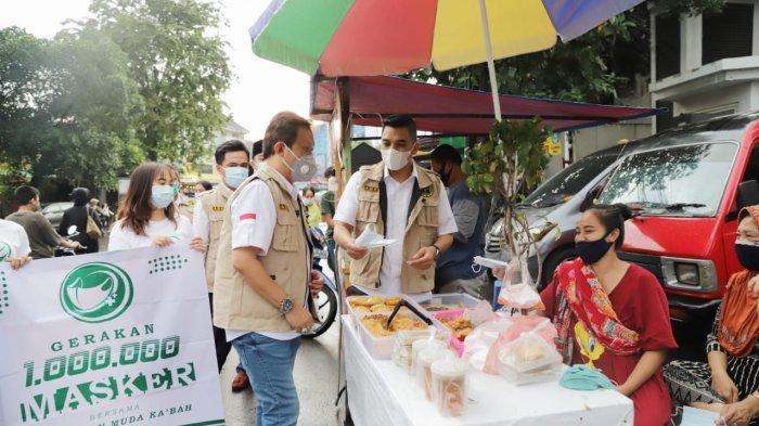 Jelang Lebaran, Angkatan Muda Kabah Bagikan 1 Juta Masker untuk Masyarakat
