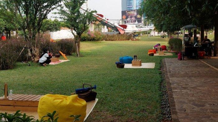 Asyiknya Makan Sambil Piknik di Samping Rudal, Alternatif Wisata Kuliner Seru di Tengah Kota Jakarta