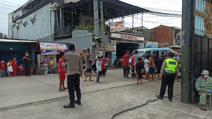 Polisi Bubarkan Kerumunan Anak-anak yang Tunggu Angpau di Wihara Lalitavistara Cilincing