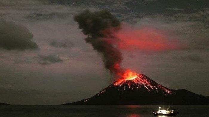 Penjelasan BNPB Letusan Gunung Anak Krakatau Tak akan Sebesar Gunung Krakatau