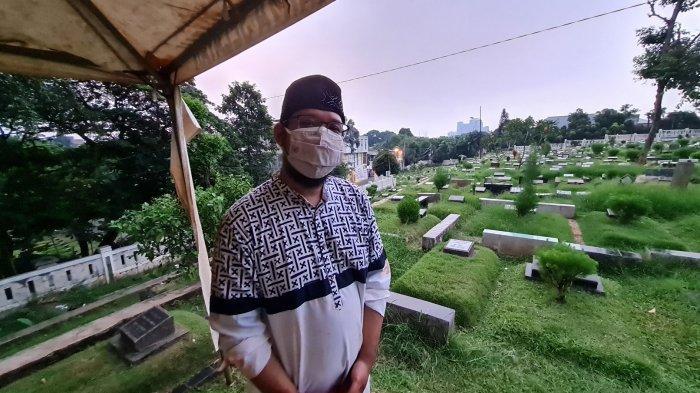 Anak tunggal Ofyar Zainuddin Tamin, Yozzi Ilham saat ditemui TribunJakarta.com di TPU Jeruk Purut, Jakarta Selatan pada Rabu (9/6/2021).
