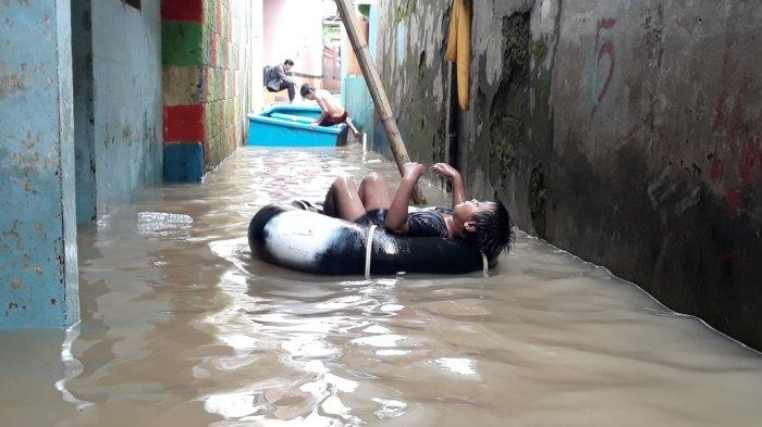 Warga Bidara Cina Singgung Janji Gubernur Anies Tuntaskan Banjir Luapan Kali Ciliwung