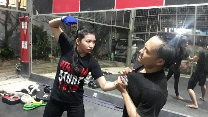 Tantangan Besar Jadi Stuntwoman, Anggi Pernah 3 Kali Melakukan Adegan Bakar Diri