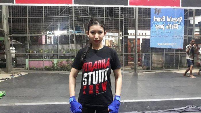 Mendengar Pengalaman Anggi, Stuntwoman di Industri Film Tanah Air: Sang Penantang Adegan Bahaya - anggi-stuntman.jpg