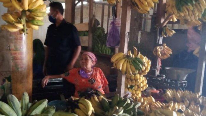 Terungkap Modus Eks Anggota DPRD Curi Pisang di Pasar, Datang Tengah Malam dan Hampir Diamuk Massa