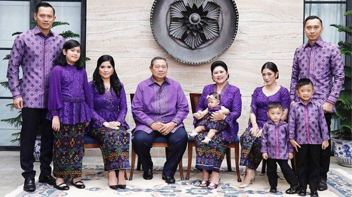 SBY Baru Paham Makna Batik Berwarna Hitam Sawungguling Pilihan Ani Yudhoyono