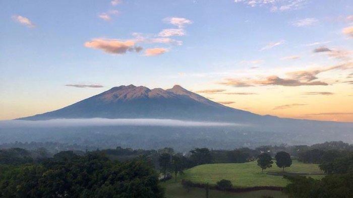 BNPB Sebut Gunung Salak Tidak Meletus, Tetap Normal dan Aman