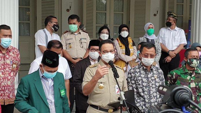 Pilih Beda dengan Jokowi dan Ridwan Kamil,Anies Baswedan Tak Ajak Influencer saat Vaksinasi Covid-19