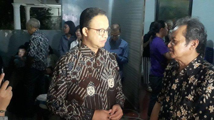 Melayat ke Rumah Duka, Anies Baswedan Kenang Arswendo Atmowiloto Sejak di Yogya