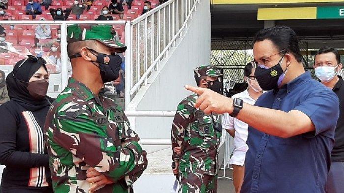 Gubernur DKI Jakarta Anies Baswedan sedang meninjau vaksinasi Covid-19 di Gelora Bung Karno (GBK), Jakarta Pusat, pukul 11.00 WIB, Minggu (4/7/2021).