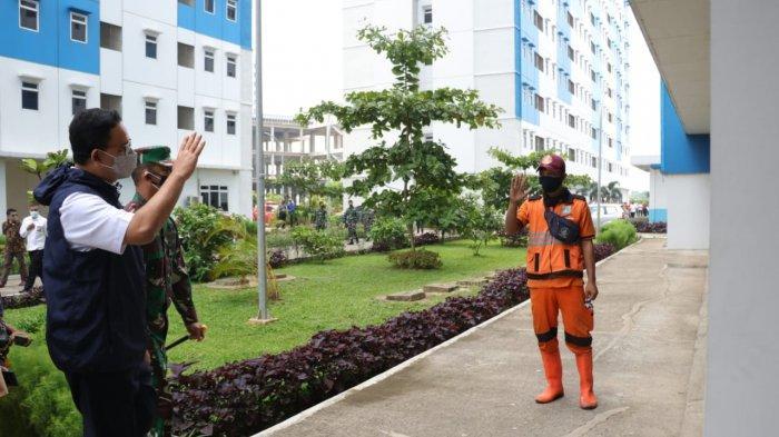 Gubernur DKI Jakarta Anies Baswedan saat melakukan inspeksi di Rusun Nagrak, Cilincing, Jakarta Utara, Rabu (23/6/2021).