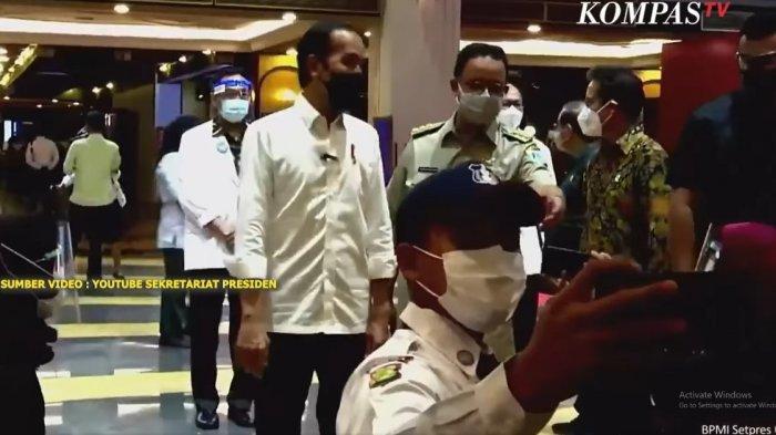 Saat Gubernur Anies Jadi Fotografer Dadakan Abadikan Momen Presiden Jokowi dengan Warga