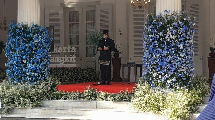 Gubernur DKI Jakarta Anies Baswedan saat menjadi inspektur upacara HUT ke-494 Kota Jakarta di Balai Kota, Selasa (22/6/2021).