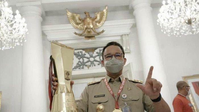 Gubernur Anies Dapat Kejutan, Persija Jakarta Bawa Trofi Juara Piala Menpora ke Balai Kota