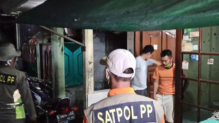 Petugas Beri Sinyal Kedatangan Banjir Rob di Sunda Kelapa Jakarta Utara: Imbau Selamatkan Barang