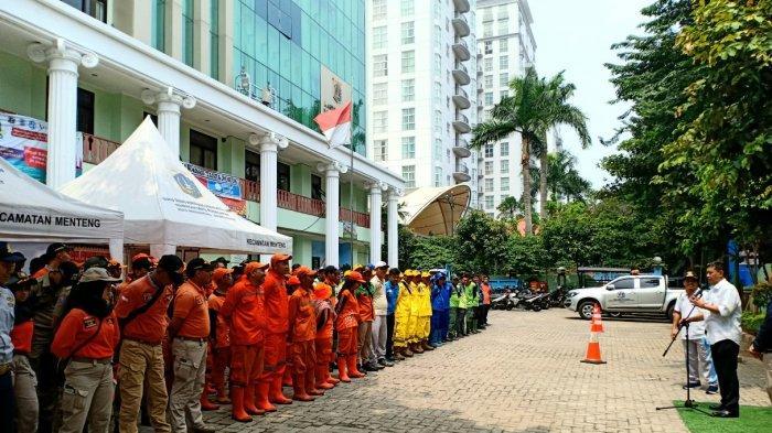 1.000 Petugas Gabungan di Kawasan Jakarta Pusat Dapat Makanan Gratis