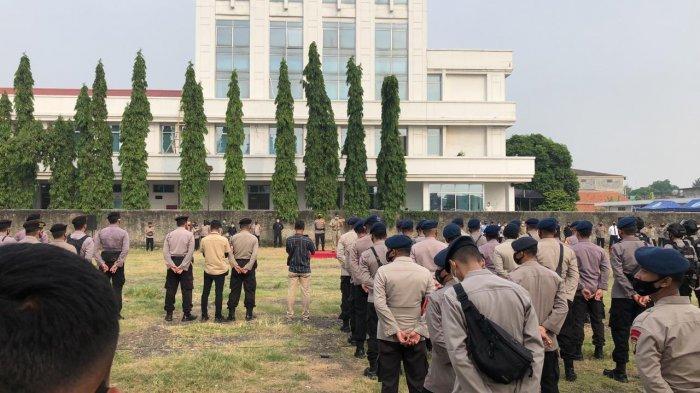 Sebanyak 636 personel gabungan gelar apel Operasi Ketupat Jaya 2021 di Jalan Dr Soemarno, Cakung, Jakarta Timur, Rabu (5/5/2021)