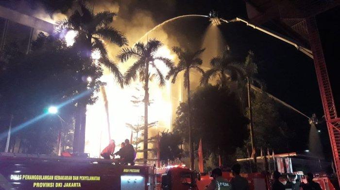 6 Fakta Terbakarnya Gedung Kejaksaan Agung:Kagetnya Mahfud MD dan Resnpons Jokowi